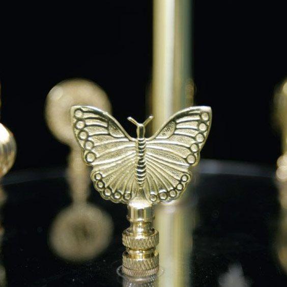 Fleuron en forme de papillon | Lampe | Abat-jour Illimités | Montréal