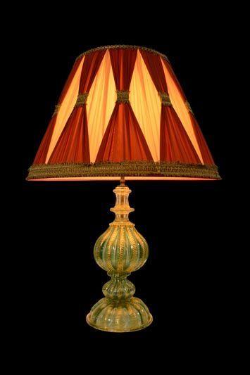 Abat-jour en tissu clair avec des accents rouges et or | Lampe | Abat-jour Illimités